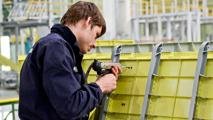 молодые красивые полезные советы для монтажников и проектировщиков систем безопасности две лесбияночки