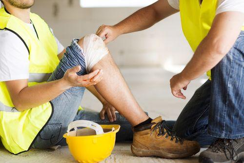 Несчастный случай на производстве: что это, виды выплат, действия работника и работодателя