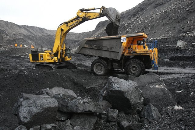 Тайный покупатель. Украина продолжает закупать уголь у Донбасса